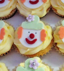 cupcakes - clown 72a